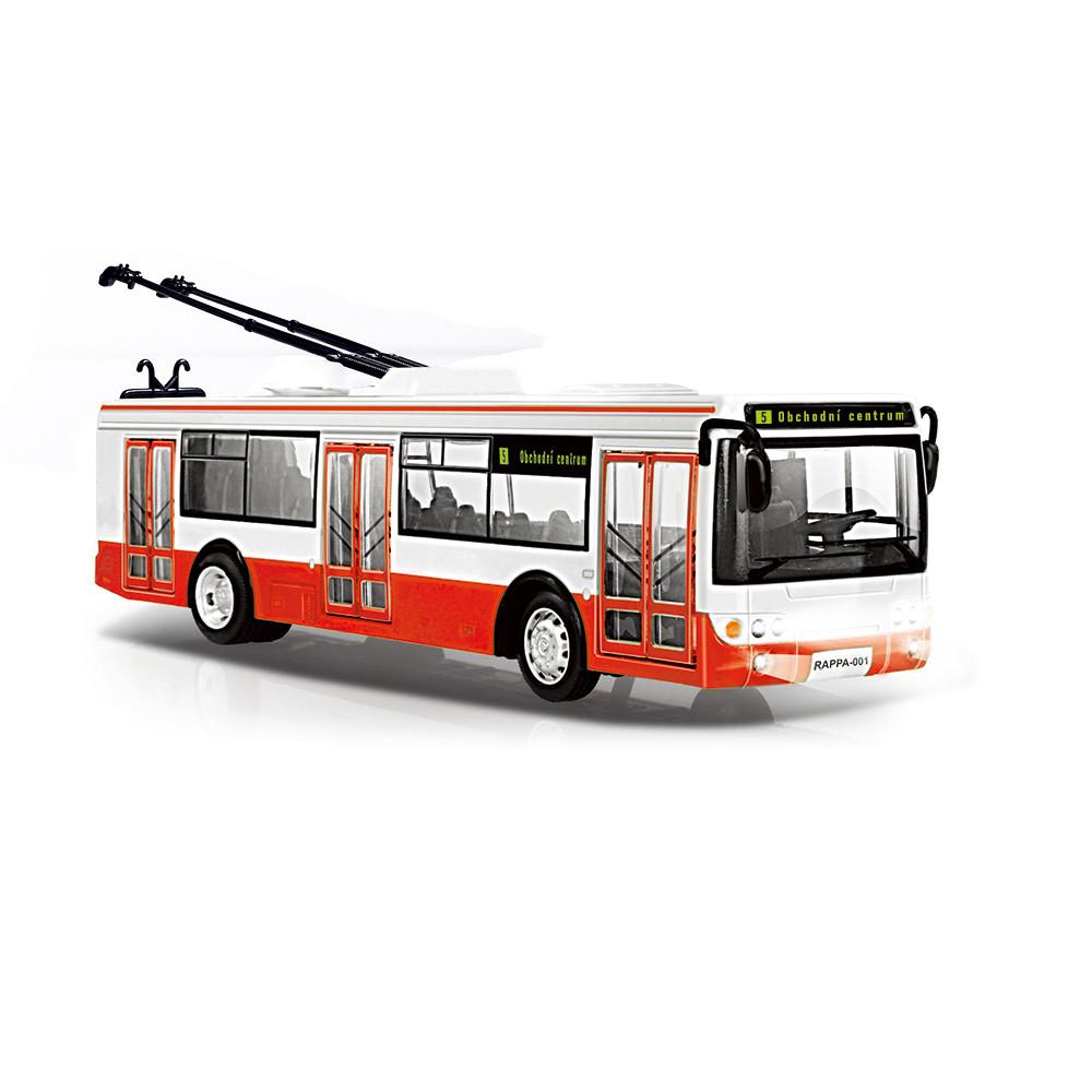 Trolejbus, který hlásí zastávky česky